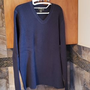 Eddie Bauer Men's pullover v-neck ribbed sweater